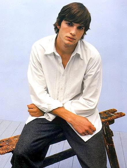 40 jpgAshton Kutcher