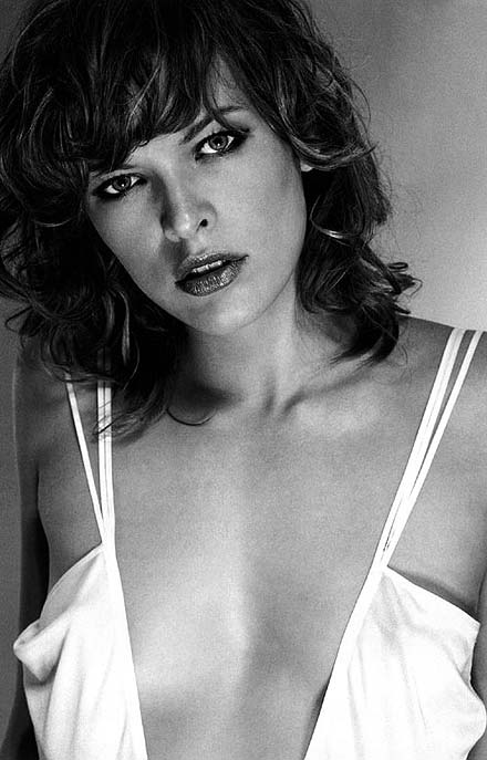 http://photo.thestars.ru/images/M/millajovovich/1.jpg